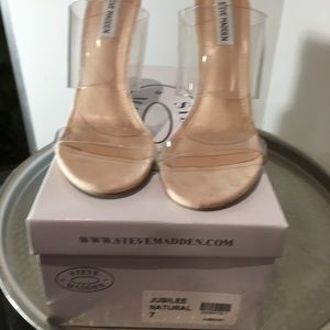 Beige suede heel with clear band